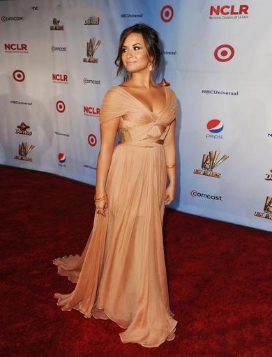 Demi Lovato com vestido